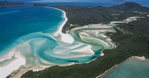 From Airlie Beach: Whitsunday Islands 25 min Explorer