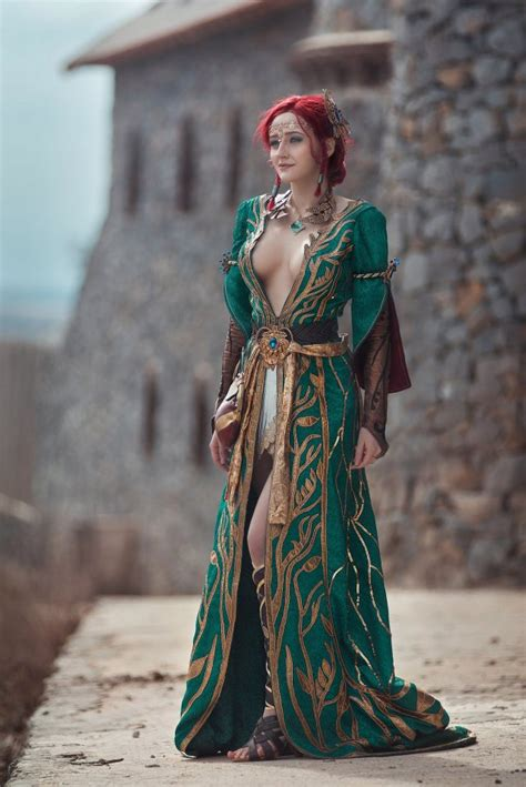The Witcher 3: Wild Hunt - Triss Cosplay by Erika Shion